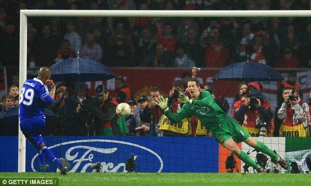 Edwin van der Sar saved from Chelsea's Nicolas Anelka to win the Champions League for Man United in 2008.