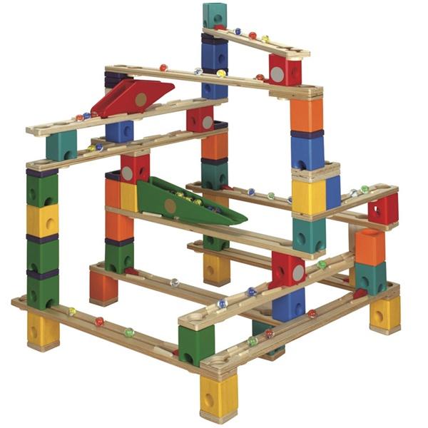 Quadrilla Rail set  In de deze set zitten 103 bouwelementen en 100 knikkers.  http://www.planethappy.nl/quadrilla-rail-set.html