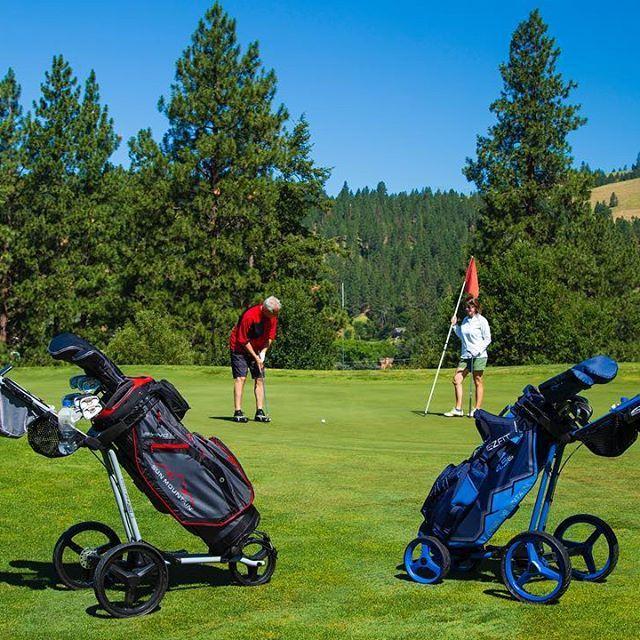 Black Or Blue This Weekend Sunmountaingolf Golfbags Pushcartmafia Sunmountainsports Whyilovethisgame Ladies Golf Bags Golf Bags Sun Mountain Sports