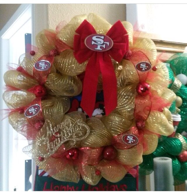 Forty niners wreath. I NEED NEED ONE OF THESE FOR FOOTBALL SEASON.
