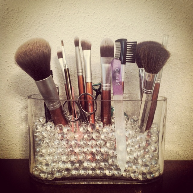 DIY Makeup brush holder | craftyyy | Pinterest