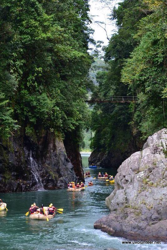 Rafting down the river. https://www.uvolunteer.net/  volunteer opportunities, volunteer overseas, volunteer organization, volunteer opportunities abroad, volunteer work