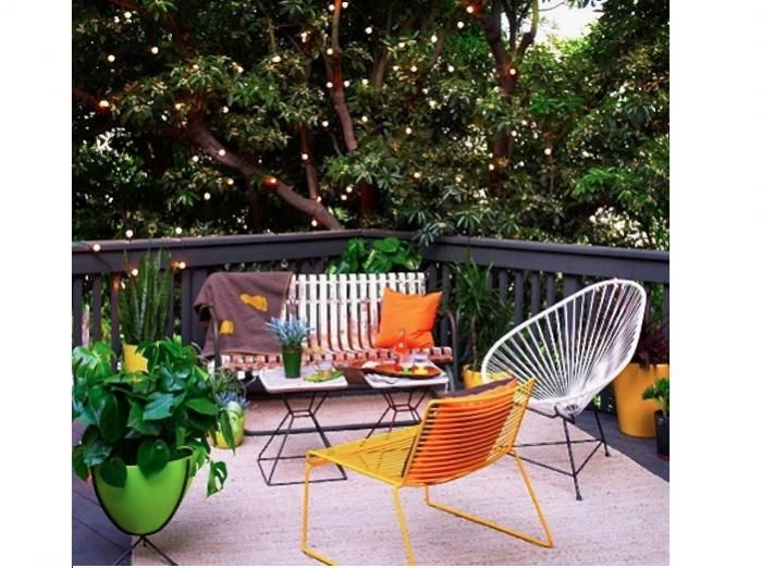 twinkly outdoor string lights los angeles patio via Gardenista   @Jacqueline Prutsman Seybert  made me think of you!