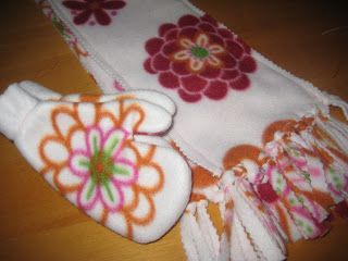 Warm Mittens and Scarfs Tutorials -