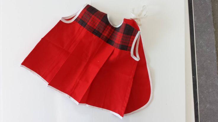 kleine babyschort slabbetje rood geruit jaren60 vintage nieuwe mint unieke items sparkling sixties zomerkleding door SparklingSixties op Etsy