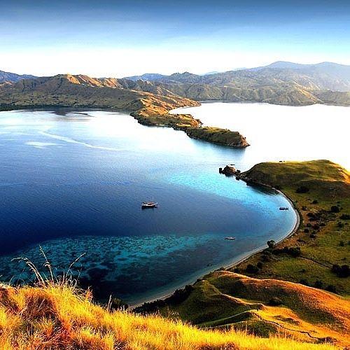 HUB WA.LINE.HP 1. 082 144 999 975 EXPLOREKOMODOFLORES TOUR SEMANGAT UNTUK MEMBERIKAN YANG TERBAIK EXPLORE FLORES & EXPLORE WAEREBO & DANAU TIGA WARNA KELIMUTU. 6 HARI 5 MALAM Explore Komodo Flores Location: Labuan Bajo Price: Rp. 5.750,000/ pax Book Now! HARGA. 1. Orang Rp. 10,500,000 2. Orang Rp. 6,750,000/ pax 3 orang Rep. 6. 550,000/ pax 4 orang Rp. 6,250,000/ pax 5 s/d 10 orang Rp. 5.750,000/ pax Fasilitas yang di dapat : 1. Hotel VIP dilabuan bajo sa...