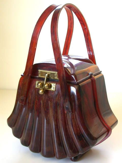 Fluted Lucite shell purse made by Ranhill Corp