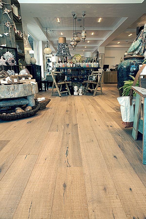 DuChateau Floors Antique White European Oak, Fine Sawn Collection, QSTAI5