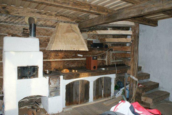 Un tânăr construiește case din lemn vechi recuperat | ȚĂRĂNCUȚA URBANĂ