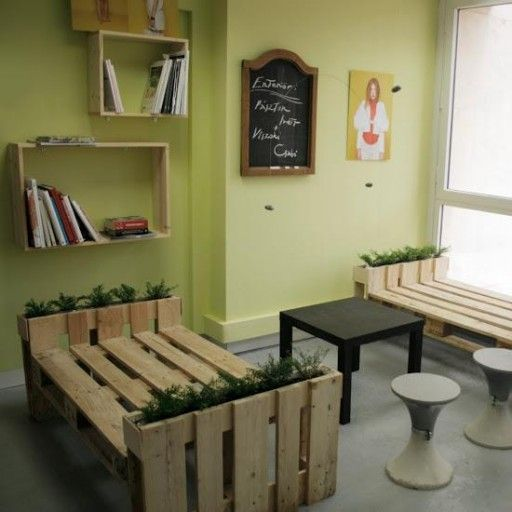 instructions on how to make a bench out of pallets