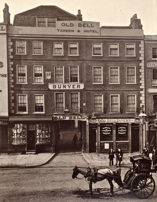 The Old Bell Tavern, Holburn, London http://spitalfieldslife.com/wp-content/uploads/2010/12/45-86.jpg