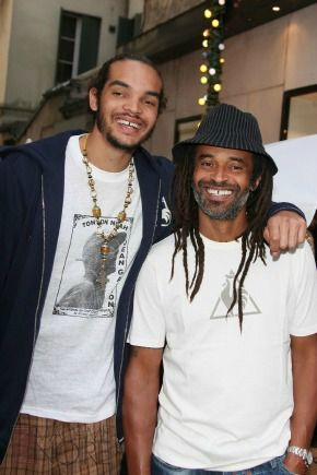 Celebs With Famous Parents - Joakim Noah. Chicago Bulls Center Joakim Noah's father is international tennis player and singer Yannick Noah, and his mother is Swedish model Cecilia Rodhe. But that's not all: Joakim's grandfather was Zacharie Noah, a pro soccer player from Cameroon and winner of the Coup de France 1961.