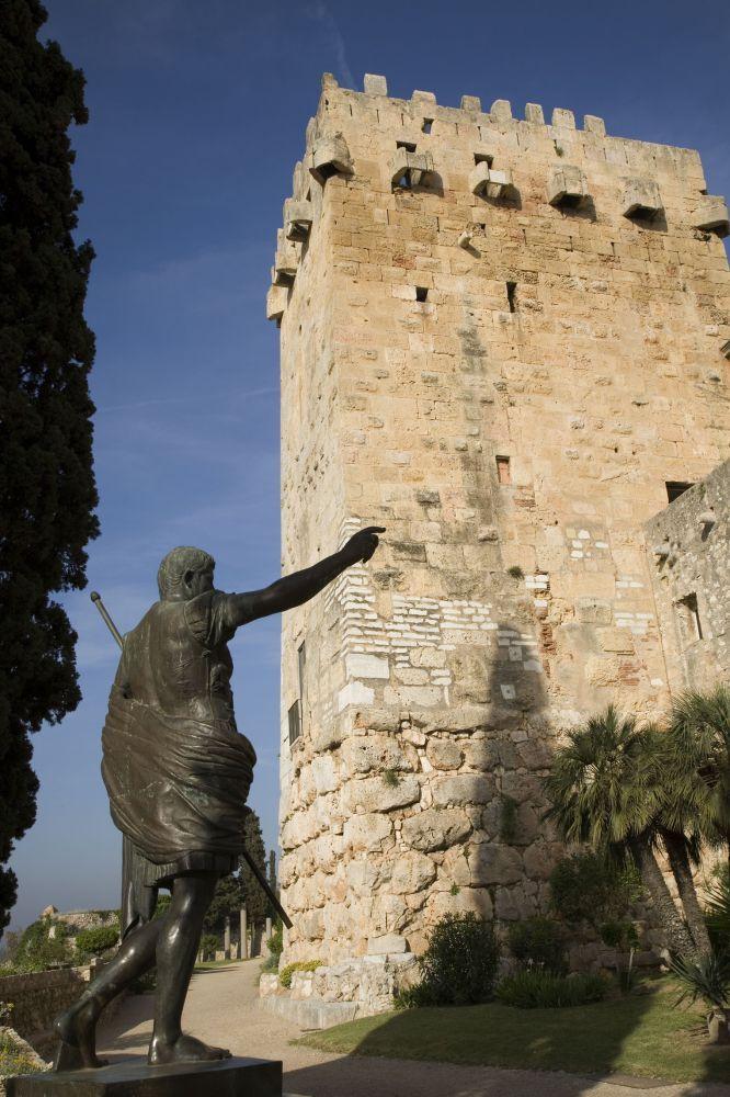 Statue of Augustus Caesar - Roman Emperor Estatua del emperador Augusto en el Paseo Arqueológico de Tarragona.
