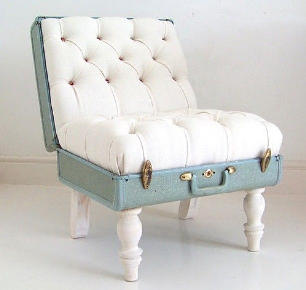 leuke stoel van een oude koffer