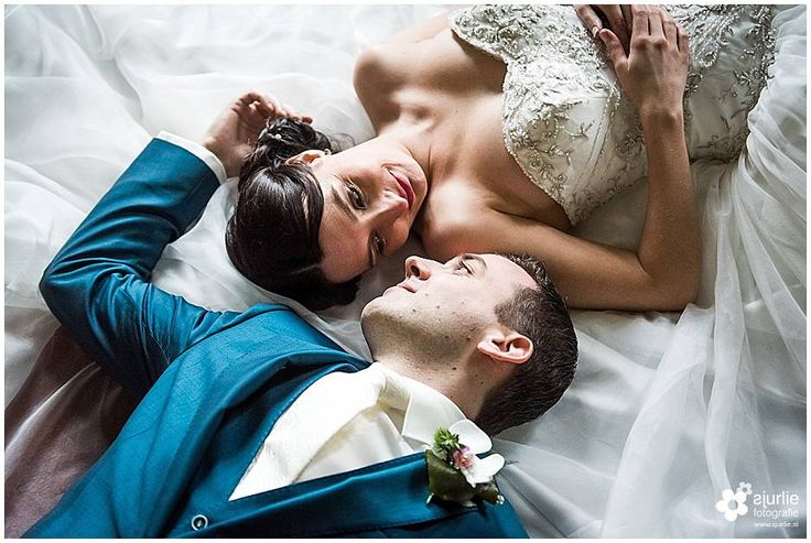 #bruidsreportage #wedding #romance #bride #groom #rolduc #kerkrade #bibliotheek #bruidsfotograaf #limburg #weddingphotographer #weddingphotoshoot #winterwedding #romanticweddingdress #hochzeitsfotografie #hochzeit