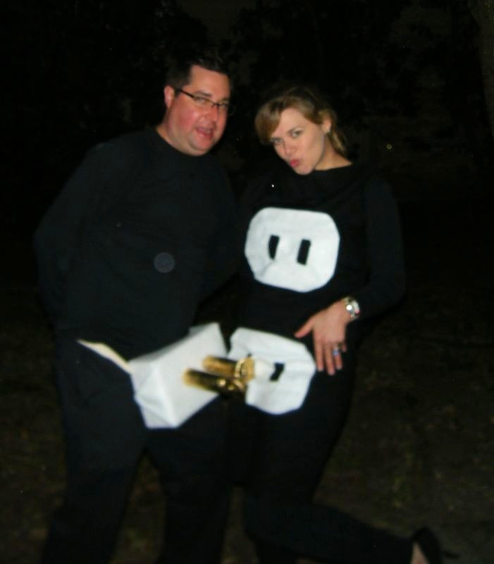 our scott spot halloween parties pregnancy costumessoccer - Pregnant Halloween Couples Costumes