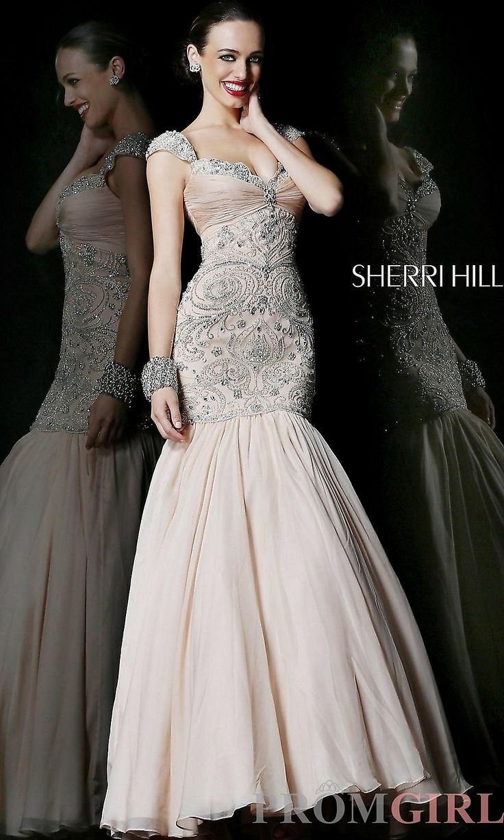 76 best Stunning Evening Gowns images on Pinterest | Prom dresses ...