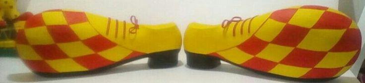 Zapatos de payaso 3D, textura lisa