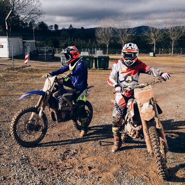 Down in the dirt. ✊// @albertarenas @maverickvinales25 #MX #Motocross #Training #MotoGP #Moto3 Repost by @motogp