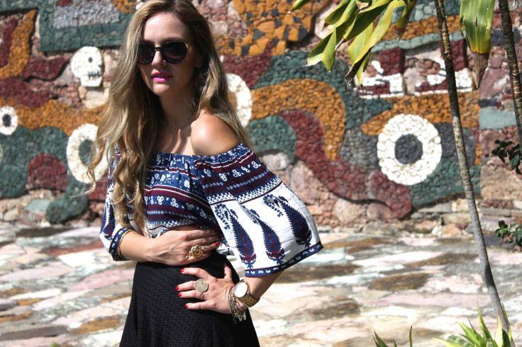 México colonial: Taxco http://iconastyle.co/las-texturas-de-la-ciudad-de-plata-taxco-outfit-post/