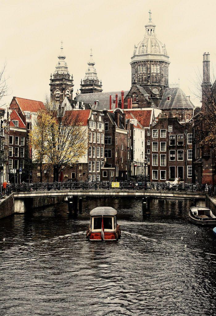 https://flic.kr/p/8SH3Ac   Amsterdam