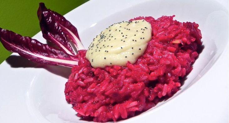 Ricetta per un colorato risotto alla rapa rossa con crema di topinambur