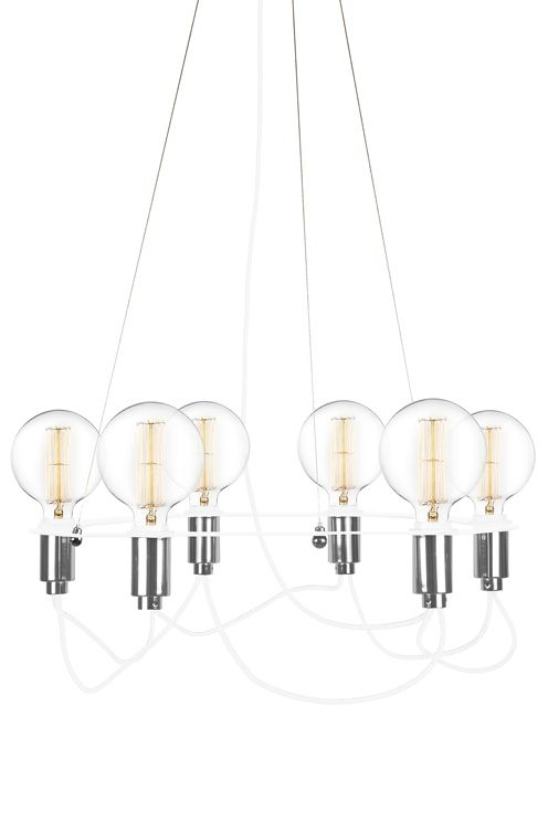 """Taklampa """"Cables"""" med blanka rör hängandes från en mattlackad cirkelrund metallring. Långa hängande textilkablar. Textilkabel med tre vajrar för exakt justering. Diameter 60 cm, höjd 18 cm. Lamphållare E27. Max 6 x 60W (ingår ej). Design: Patrick Hall. <br><br>"""