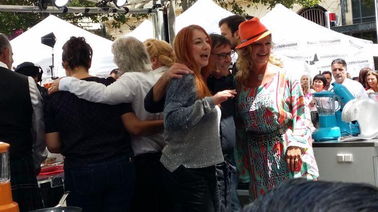 Tour de France 2014 Carcassonne village départ. Jeane Manson, Pauline Esther