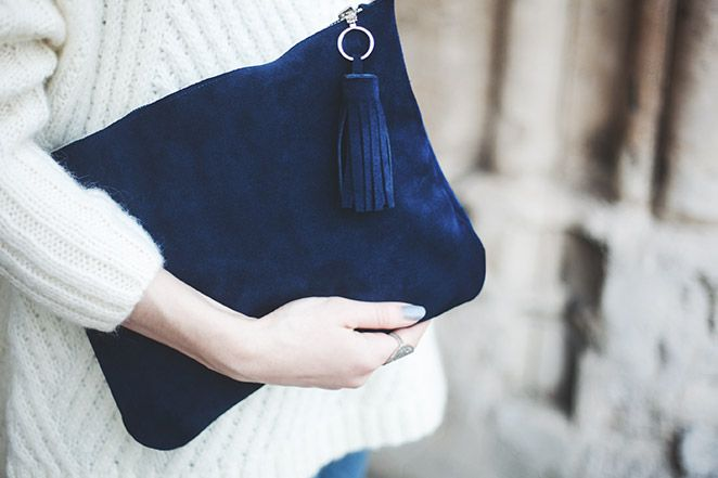 How to make a DIY clutch from leather, suede or synthetics with a sewing machine ⎥Elle Frost⎥... are so easy to make and the possibilities are endless!...