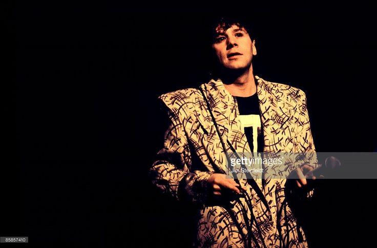 Simple Minds' vocalist Jim Kerr performs in Minneapolis, Minnesota in 1985.