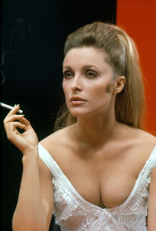 Sharon Tate  Valley of the Dolls  1960's