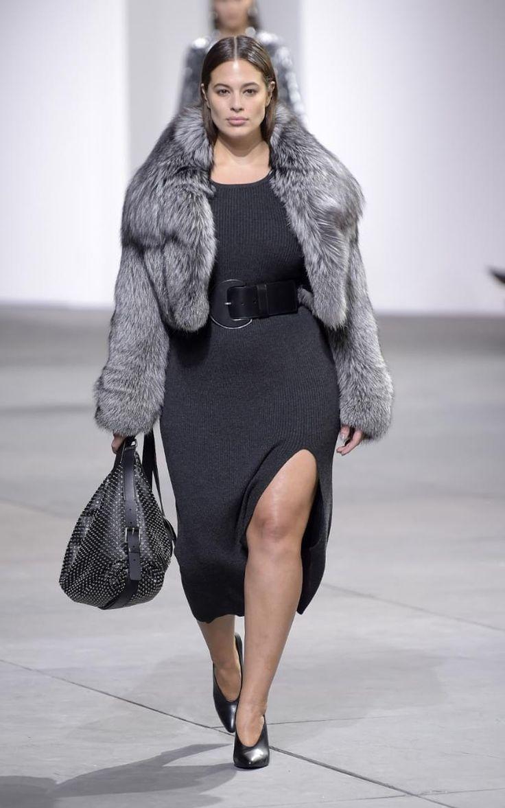 Plus-size model Ashley Graham stars in Michael Kors's innovative New York show