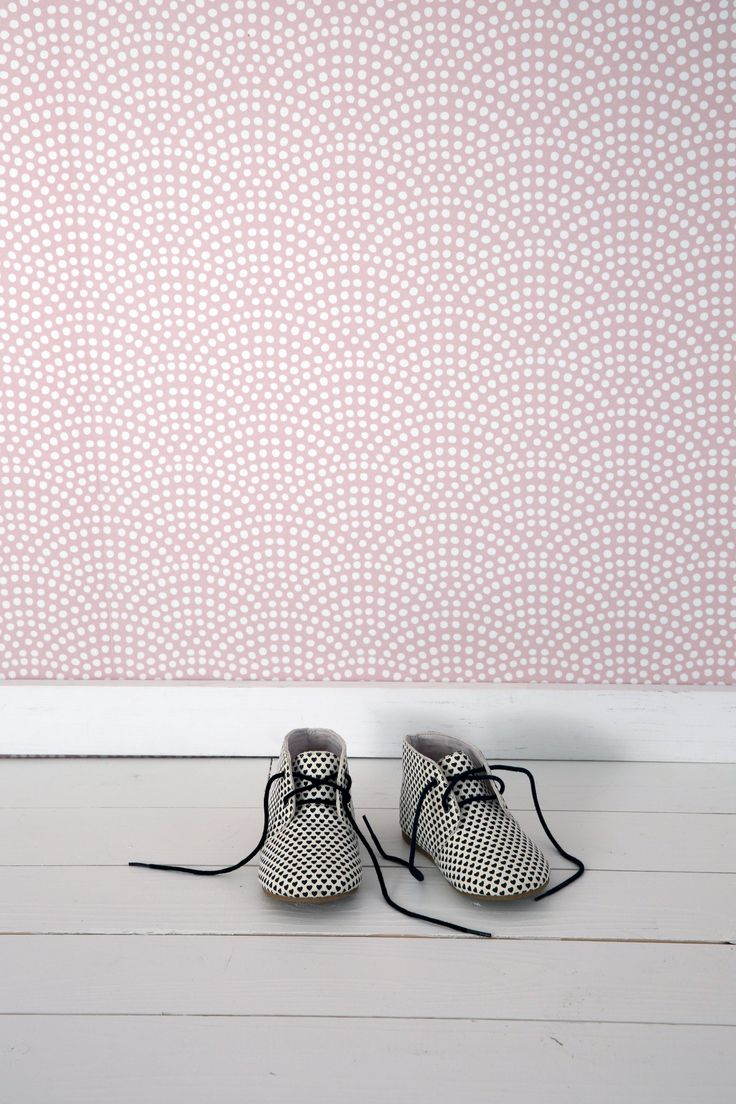 Little Dutch Wallpaper Waves Pink Cheer up a bland wall in your baby's nursery with our new range of wallpaper! It creates a beautifull starting point for decorating and styling your mini's room. #baby #nursery #wallpaper #pink #kidsroom #babyroom #nurseryinspiration