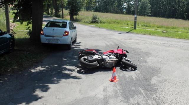 Krátce před druhou hodinou odpoledne došlo na Plzeňské ulici u Rokycan k nehodě  http://plzen.cz/havarie-motorkare/
