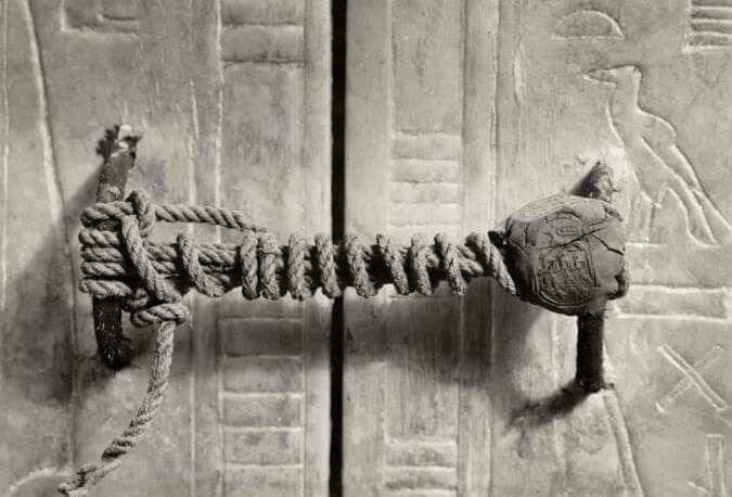 El sarcofago de tutankhamon en su candado completo