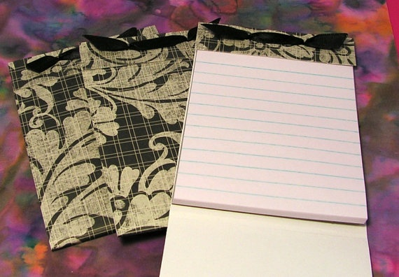 use cropadile and mini notepad to tie and be re-usable