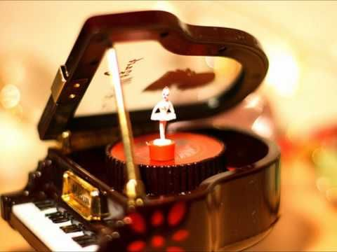 Yiruma-River flows in you (music box ) Future Music Box I will get in the future someday :) <3