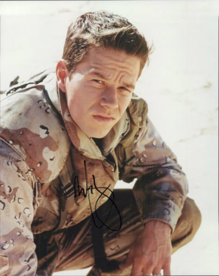 Mark Wahlberg as Troy Barlow. Three Kings.