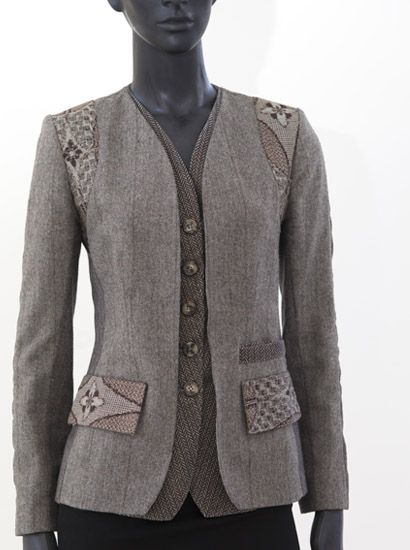 Make a jacket bigger by adding a new layer with buttons!! Smart  Indalia Fashion - Asian and Italian fabrics combined with Italian tailoring << #jacket #sewing