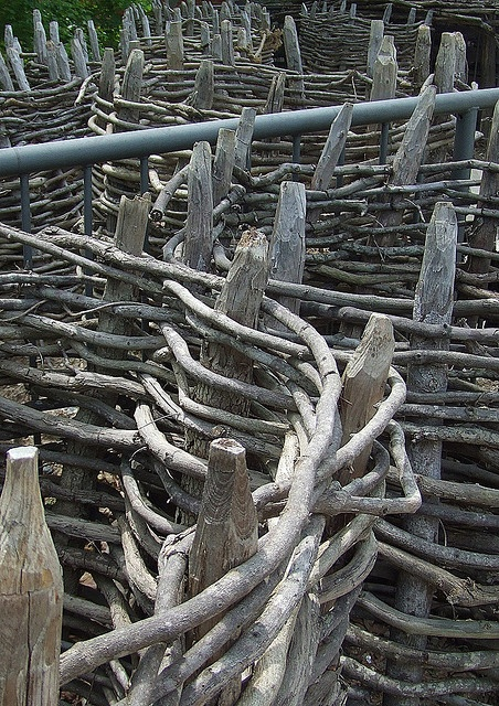 43 best colonial fences images on pinterest colonial for Colonial fence designs