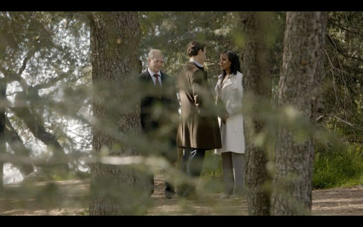 """Months later, after a former White House intern named Amanda Tanner claims to the press that she'd had an affair with President Fitzgerald Grant, Olivia and Fitz have one of their famous covert confrontations in the woods. """"You know there is only one person I love."""" —Fitz"""