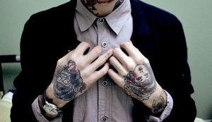 Seleção de tatuagens nas mãos (35)
