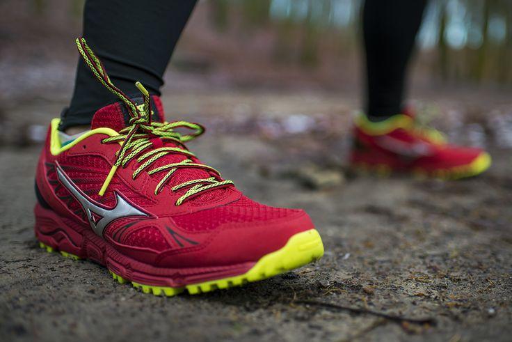 #Mizuno Wave Daichi to buty przeznaczone do biegania po górskich szlakach. Podeszwa zewnętrzna powstała przy współpracy z Michelin, dzięki czemu gwarantuje odpowiednią przyczepność i trakcję, a system X-Groove w śródstopiu absorbujący wstrząsy