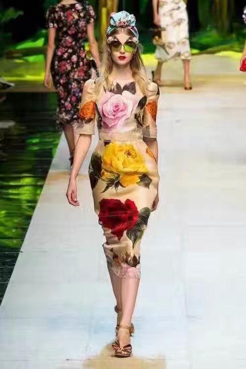 Платье Dolce Gabbana цветочный принт Размеры S M L Цена 6500 руб /110$