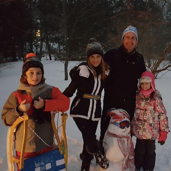 Le Noël en famille de Julie Snyder et Pierre Karl Péladeau - PHOTOS   HollywoodPQ.com
