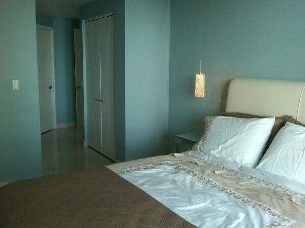 bm exhale nice calm color for the home bedroom. Black Bedroom Furniture Sets. Home Design Ideas