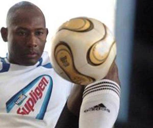 Las marcas de Erick Hernández en el dominio del balón son asombrosas.
