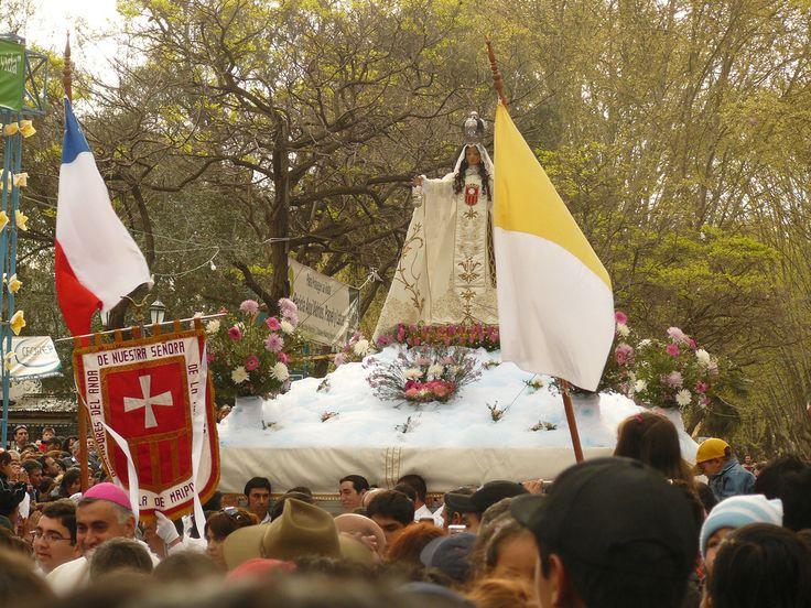 Imagen de la Virgen Nuestra Sra. de la Merced en procesión realizada en Septiembre, como parte de una de las tradiciones religiosas del pueblo.