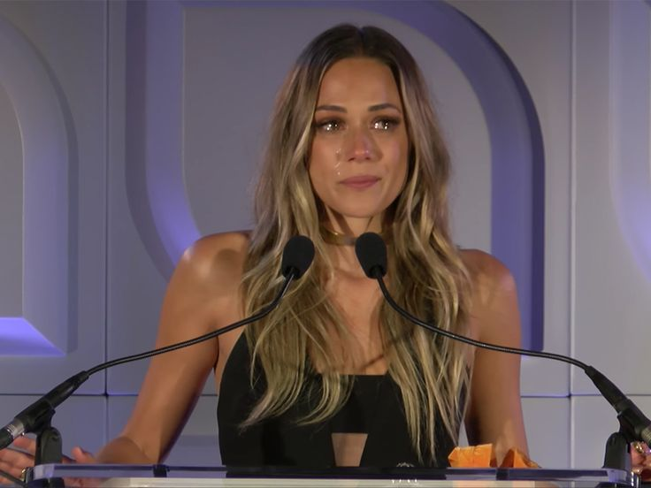 """Jana Kramer shared her experience ofthe domestic violence she encountered at the hands of her first husband, Michael Gambino, during a tearful speech at the Safe Horizon's Champion Awards.  The """"I've Got The Boy"""" singer was on hand to receive the Safe Horizon's Voice of Empowerment award for brin"""