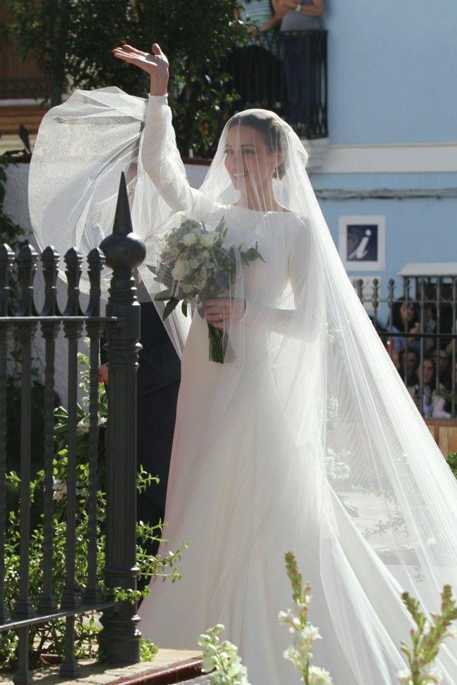 Cayetano Rivera y Eva Gonzalez dan el 'sí quiero': analizamos el look de la novia